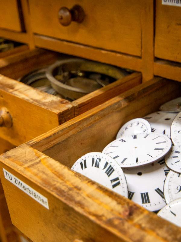 Zubehör Für Uhren Furniturenschrank
